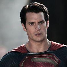 Le nouveau Superman est bisexuel, cette scène où il embrasse un homme