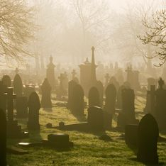 Sognare cimitero: il significato di questo sogno e i dettagli che cambiano l'interpretazione