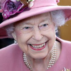 La reine Elizabeth II hospitalisée, Buckingham donne des nouvelles