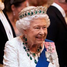 Elizabeth II : de retour après sa convalescence, elle passe un message avec un look éclatant