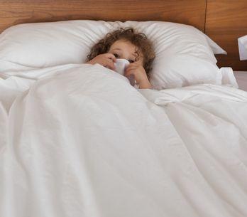 Mon enfant fait pipi au lit, comment en sortir ?