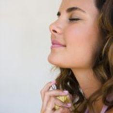 Haut, Haare oder Kleidung: Wo wird Parfum am besten aufgetragen?