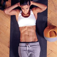 Simple Übungen & Tricks für einen flachen Bauch